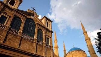 بيروت بين جرس مار أنطونيوس الكبير ومأذنة جامع بيضون