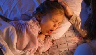 """السعال الديكي أو """"الشاهوق"""" عند الأطفال۔۔۔ قد يؤدي إلى الموت؟ أعراضه وأسبابه وطرق العلاج؟"""