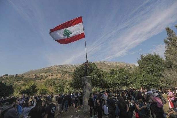 ارض لبنان تنبت ثواراً