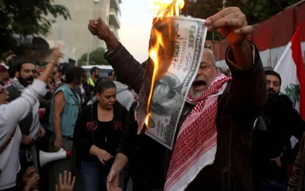 «الثنائي الشيعي» يدفع باتجاه تفعيل عمل حكومة تصريف الأعمال الحريري متردّد والقوات تلاقيه... والتيار والإشتراكي لم يتبلور موقفهما