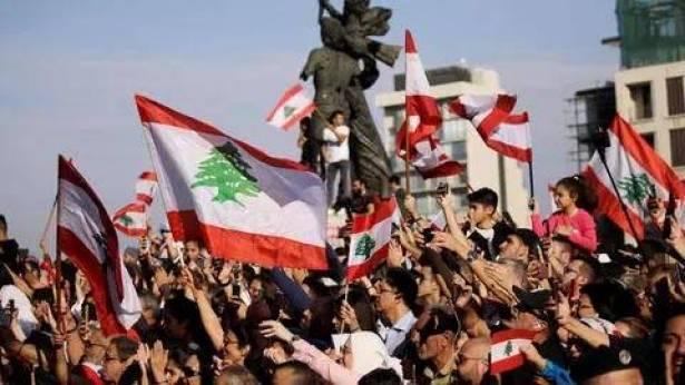 الأزمة تزيد من تفكّك الأسر في لبنان وترفع نسبة الفقر الى مُستويات خطرة