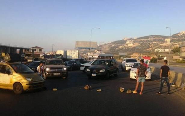 فلتان أمني وعصيان مدني في طرابلس احتجاجاً على ارتفاع الدولار وفقدان الخبز