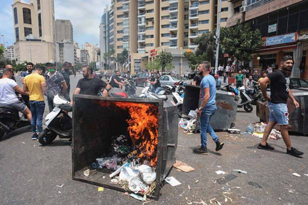 الحكومة دخلت مرحلة حرجة في العلاقة بين مكوّناتها... وهي في دائرة الخطر لبنان اقترب من السيناريو الفنزويلي... وسبَقَ سوريا بأشواط في الإنهيار