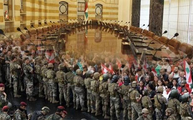 حكومة عسكرية لجمهورية ثالثة