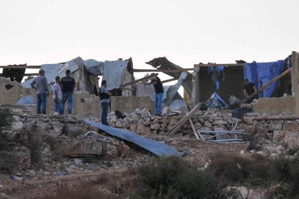 معلومات عبر أقنية ديبلوماسيّة غربية : خلايا إرهابية دخلت لبنان حالة استنفار أمنيّة قصوى في بعض المناطق والمواقع تحسباً
