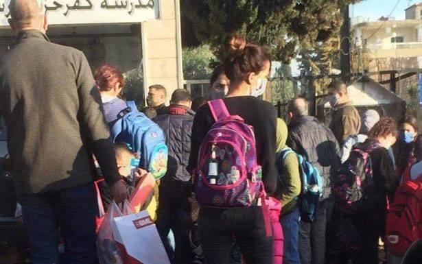 طرابلس بعد التعبئة العامة فتحت مدارسها واسواقها.. والمواطنون لا يلتزمون الوقاية توقعات بارتفاع الاصابات الى خمسة آلاف يومياً في الشمال.. ومطالبات بفحص مجاني لـ «كورونا»